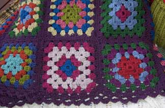 Granny-rug---edging