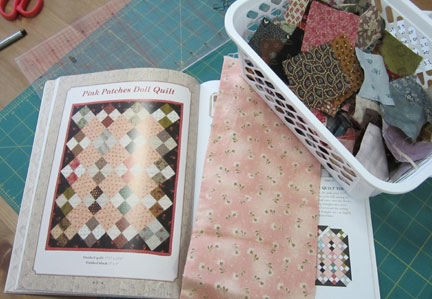Pink-patches-dolls-quilt---