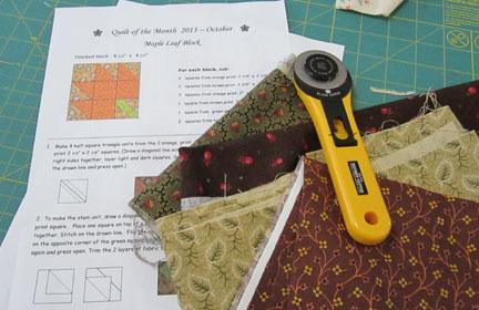 Maple-leaf-block-quilt