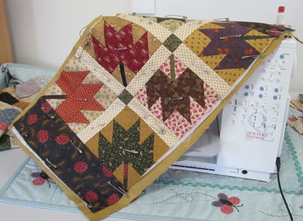 Maple-leaf-block---quilting